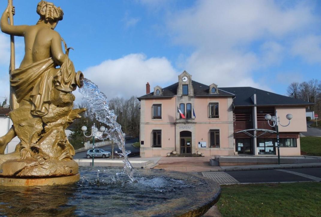 Saint-Priest-Taurion mairie